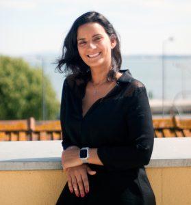 Inês Malheiro, enear's CEO smiling at the camera